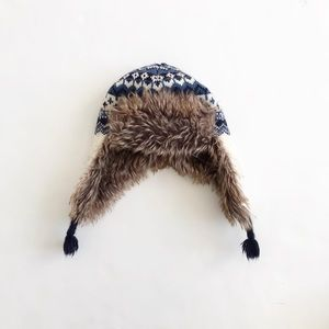BABygap knit faux fur trapper hat EUC XS (4-5T)
